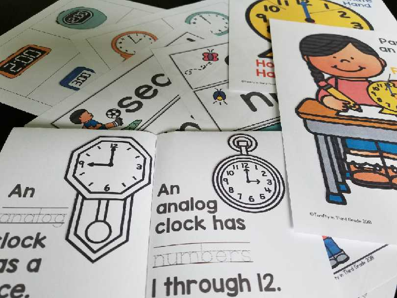 Learning about analog clocks mini book
